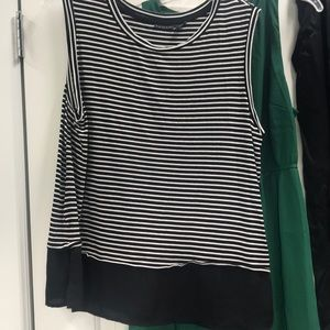Tahari tank. Black/white stripe